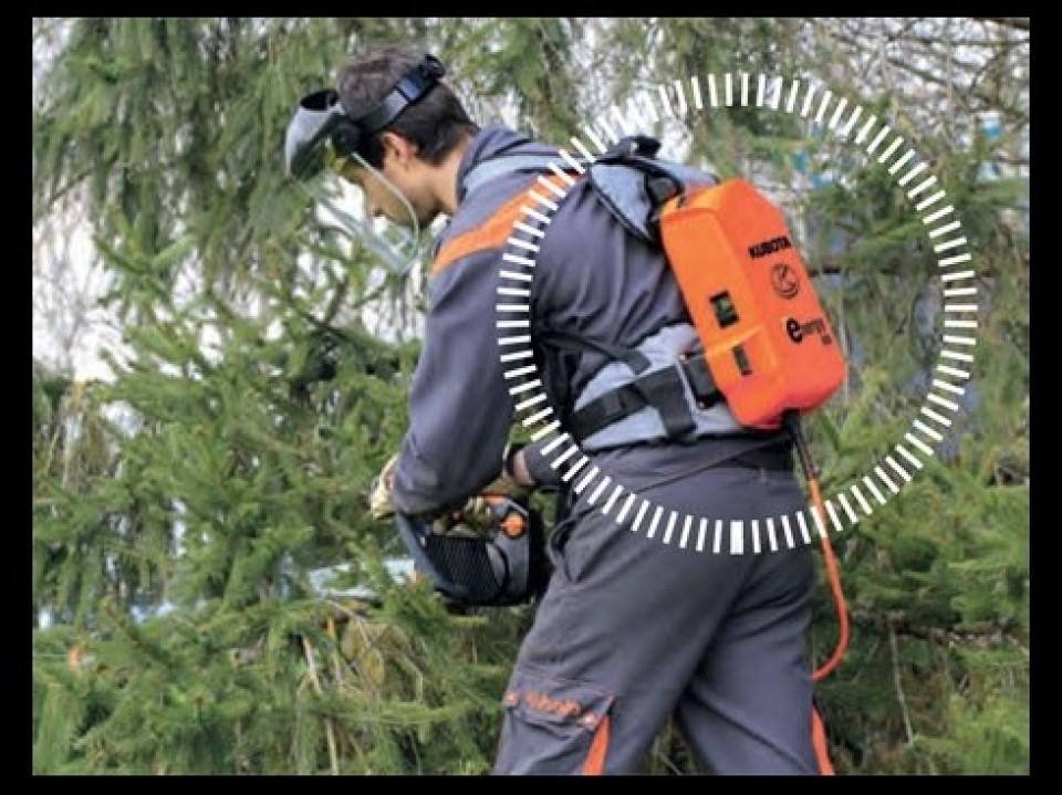 Onkruid Verwijderen, Gereedschap, Kubota Uw tuin trimmen met gereedschap van Kubota debroussailler avec les outils proposes par kubota2 960x600