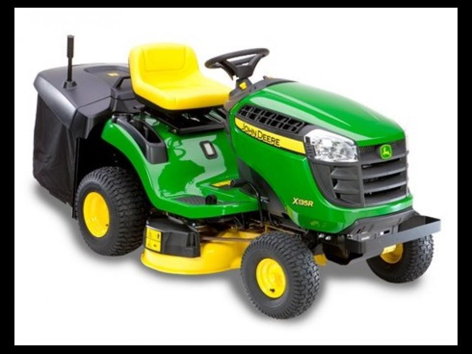 De zitmaaier X 135 R van John Deere De zitmaaier X 135 R van John Deere tracteur tondeuse X135 de john jeere2 960x600